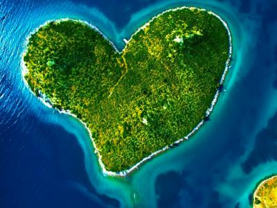 isole a forma di cuore