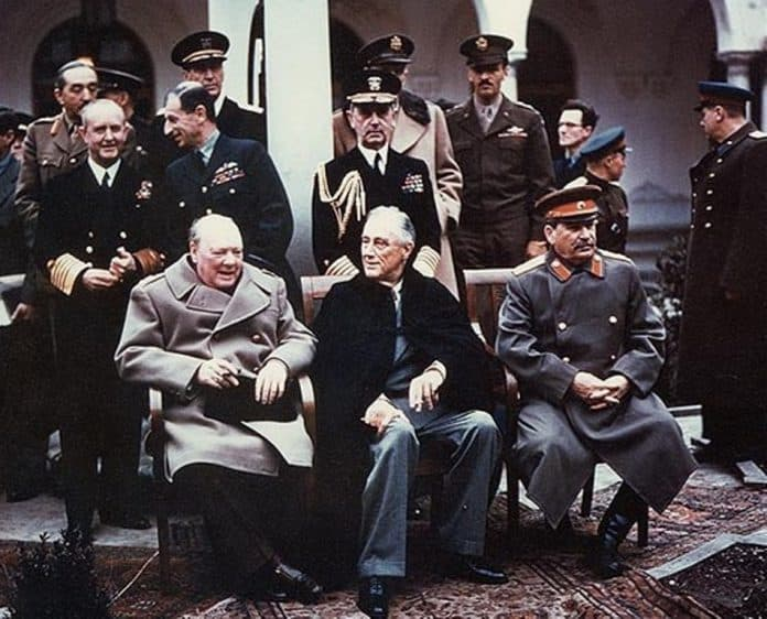 Yalta_summit_1945_with_Churchill,_Roosevelt,_Stalin (1)