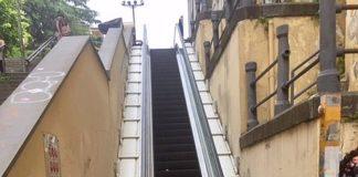 La scala immobile a Napoli
