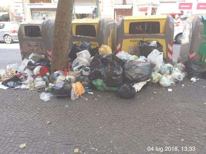 Un cumulo di rifiuti
