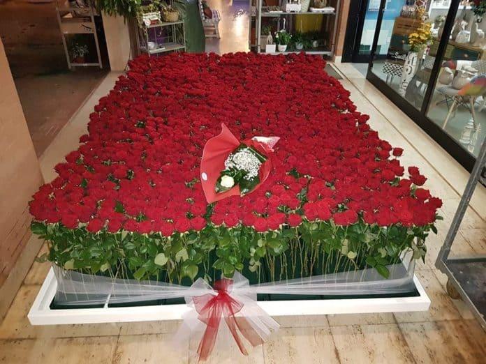 1250 rose rosse per dire Ti Amo