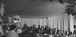 Duke_Ellington_-_Hurricane_Ballroom_-_Duke_directing_2