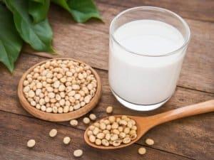 il latte di soia fa male