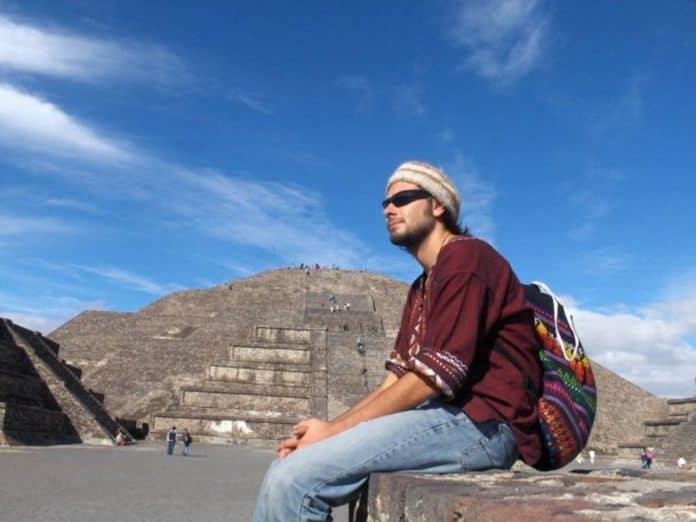Di Battista in Sud America