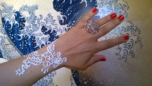 Il tatuaggio all'hennè fa male.