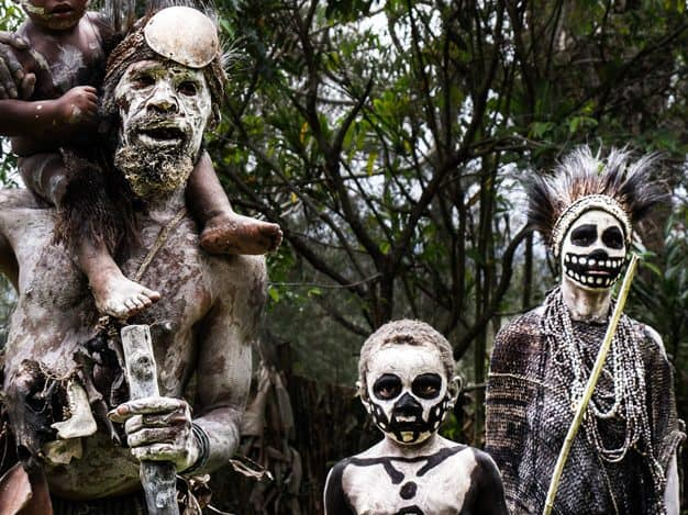 indigeni ti uccidono