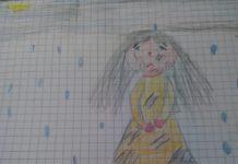 la bambina senza ombrello